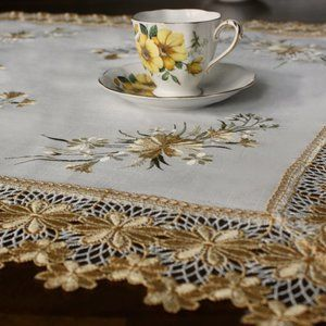 NEW Tablecloth YELLOW DAISY LACE Linen-look Square